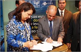 Diretor-presidente da ANA e presidente da CNA firmam acordo - Raylton Alves / Banco de Imagens ANA