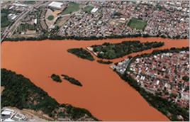 Rio Doce em Governador Valadares (MG) - Ney Murtha / Banco de Imagens ANA
